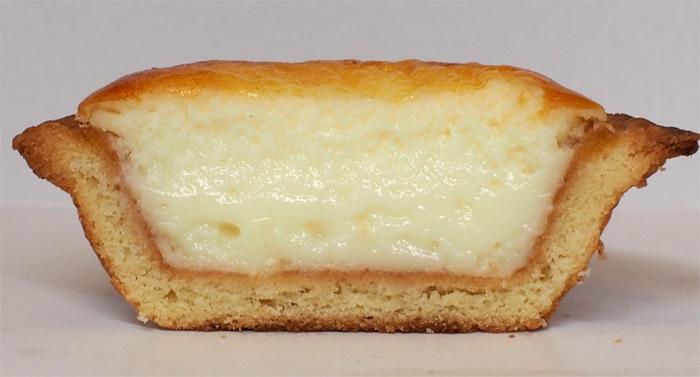 BAKE 焼きたてチーズタルト:断面