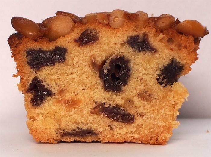 奈良ホテル 松の実ケーキ:断面